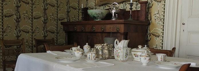 tea-set-on-table-in-rose-hill-breakfast-room