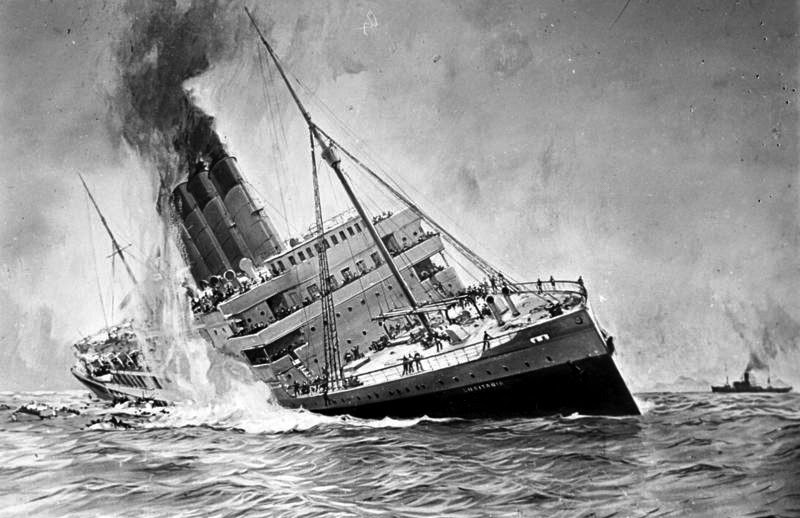a-steamship-lists-tothe-side-asit-sinks