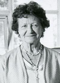 head shoot of an older woman